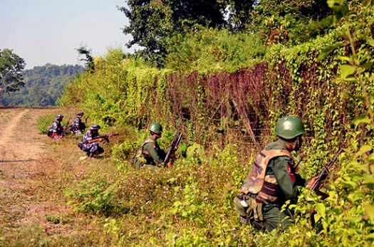 The Burmese army taking position in northern Maungdaw